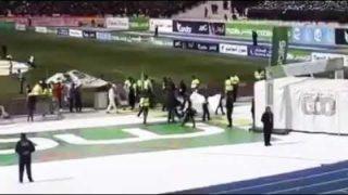 Les supporters de la JSK insultent O'Yahya Saleh dans le stade du 5 Juillet