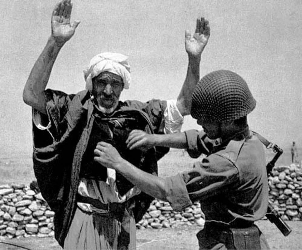 La Guerre d'Algérie, les chemins de la rébélion, la naissance du FLN
